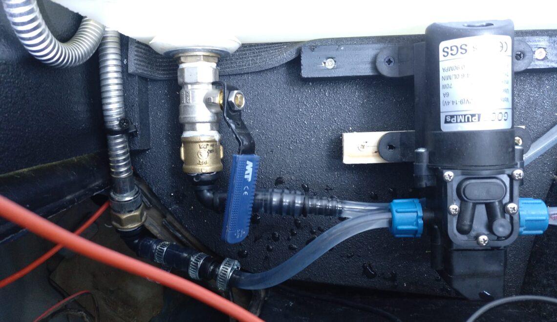 Impianto idraulico pompa 12 acqua per camper